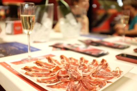 jamon_and_cava_in_the_jamon_experience